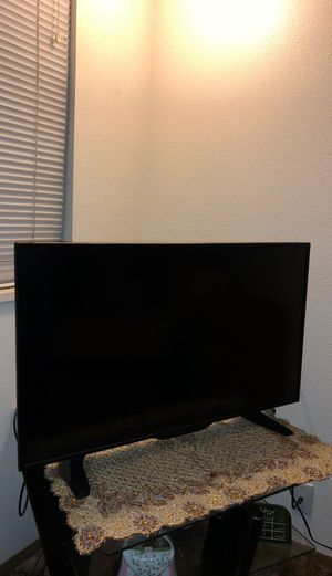 40 inch smart tv for Sale in Salt Lake City, UT