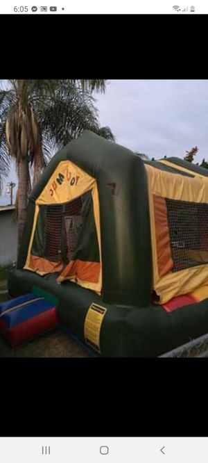 Jumper 13x13 comercial for Sale in Riverside, CA