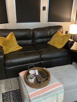 Couch & Recliners - Out Of RV for Sale in Ridgefield,  WA