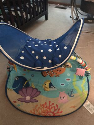 Finding Nemo/Dory play mat. Plays music and lights up. Hardly used. Bought it for $75 selling for $40. for Sale in Virginia Beach, VA