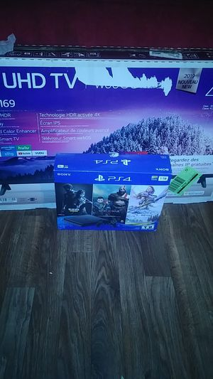 "43"" and ps4 for Sale in Arlington, TX"