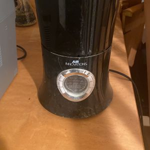 Free: Air Humidifier for Sale in Tacoma, WA