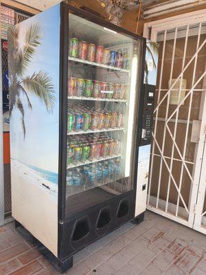 Vending Machine For Sale. No locación. Solo máquina for Sale in Miami, FL