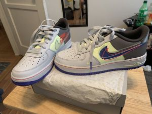 Nike Grey/Purple Size 7 for Sale in Lynwood, CA