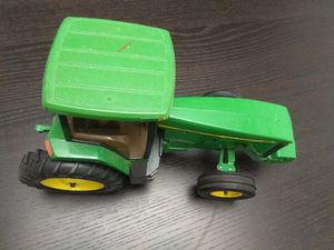 John deere tractor 8200 toy for Sale in Chelmsford, MA