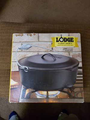 Lodge 9 quart cast iron Dutch oven for Sale in Beaumont, TX