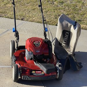 """TORO 22"""" RECYCLER SMARTSTOW LAWN MOWER W/MANUALS for Sale in Covina, CA"""