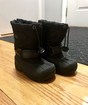 Kids Snow Boots - size 7 for Sale in Roselle, IL