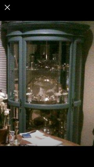 Antique Curio Cabinet, mirrored back and glass shelves for Sale in Orlando, FL