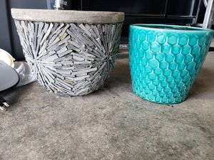 2 beautiful flower pots for Sale in South Hill, WA