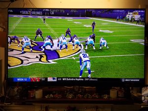 "Samsung 8 series - flat 75"" QLED 4K UHD smart tv for Sale in San Diego, CA"
