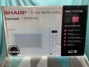 Sharp Microwave 1.1 1000w for Sale in Fresno, CA