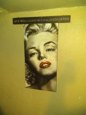 A big glass picture of Marilyn Monroe for Sale in Philadelphia, PA