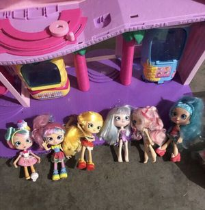 Shopkins mall with 6 dolls for Sale in Aurora, CO