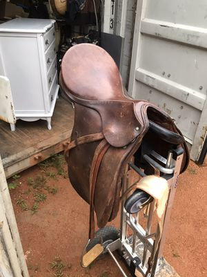 Hannover saddle 17in for Sale in Fairburn, GA