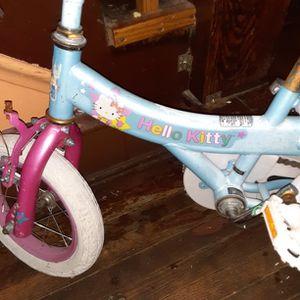 Little Girls Bike ( Hello Kitty ) for Sale in Bloomington, IL