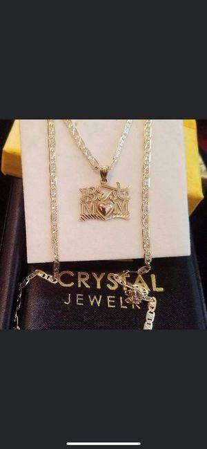 beautiful 14k gold chain plus charm plate ( Cadena de oro 14k en 3 oro con bonita placa de mejor mamá ) for Sale in Manassas Park, VA