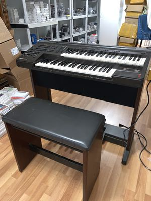 Mini Yamaha piano set for Sale in Shelton, CT