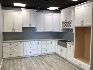 All Wood White Shaker Cabinets for Sale in Dallas, TX
