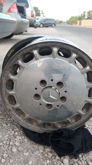 Chrome Mercedes wheels. Made for w126. for Sale in Las Vegas, NV