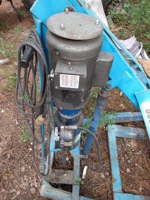drum lift or what ever for Sale in Powhatan, VA