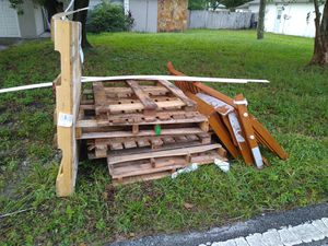 Free Pallets and other Wood for Sale in Spring Hill, FL