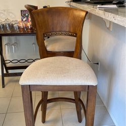2 Bar Stools for Sale in Kirkland,  WA