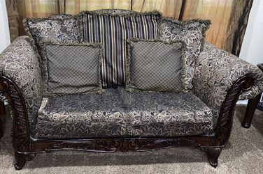 Couch set for Sale in Sterling Heights,  MI