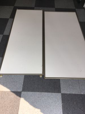 Pair of closet sliding doors indoor for Sale in San Marcos, CA