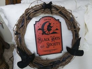Handmade Black Hat Society Halloween wreath for Sale in Big Stone Gap, VA