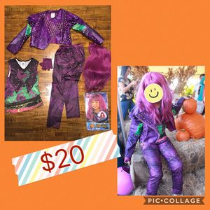 Disney Descendants Mal Costume Girls.. size 5-6. for Sale in Tamarac, FL