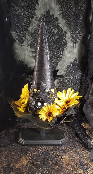 WLP Witch Hat decoration for Sale in Fresno, CA