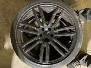 """Maserati Ghibli 20"""" wheels rims 5x114.3 used with tpms low price for Sale in Lombard, IL"""