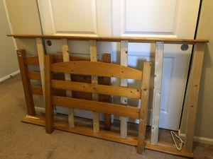 Free Twin bed frame for Sale in Puyallup, WA