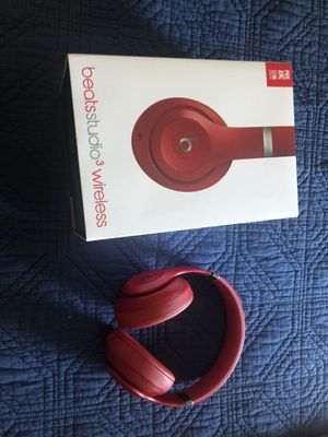 Beats studio 3 box and case included for Sale in San Diego, CA