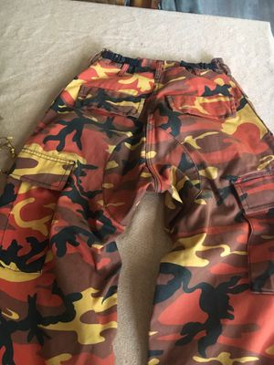 Women's X-small camo pants for Sale in Happy Valley, OR