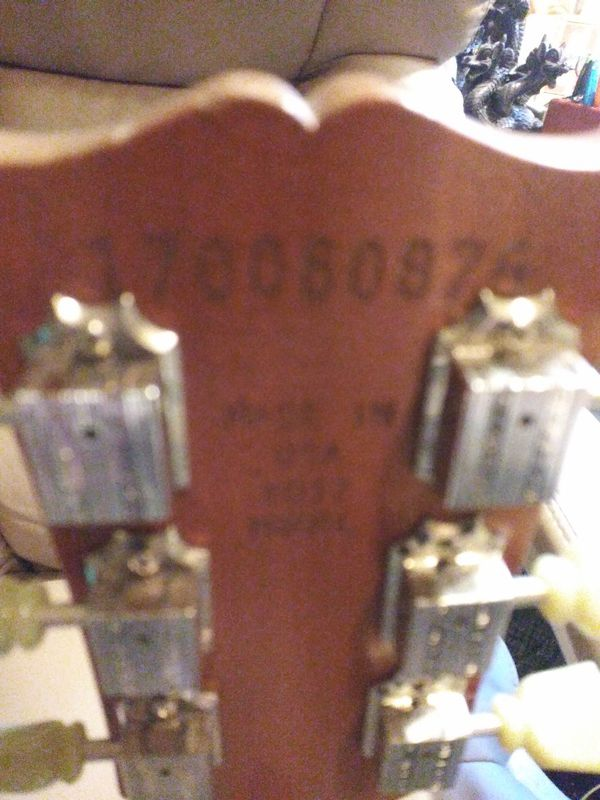 Authentic Gibson LES PAUL guitar