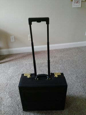 REDUCED!!!Rolling, locking, briefcase with telescoping handle and wheels for Sale in Durham, NC