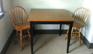 Tall Table Set w/2 Swivel Seat Stools for Sale in Buffalo, NY