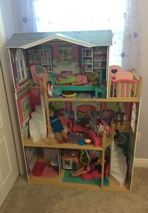 "Doll House for 18"" tall dolls for Sale in Tampa, FL"
