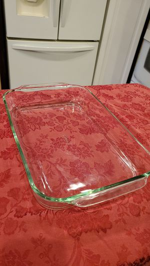 Pyrex baking dish for Sale in Westerville, OH