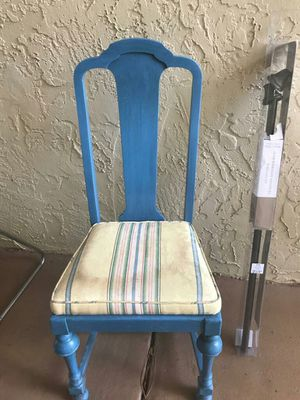 Blue chair for Sale in Orlando, FL