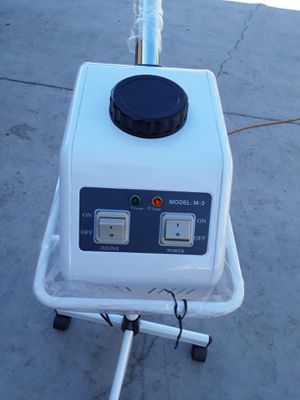 Face steamer and facial lamp with magnifying glass for Sale in Huntington Park, CA