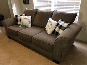 Free Delivery Rooms to Go Sofa Bed / Couch with Queen Mattress for Sale in Winter Garden, FL