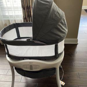 Baby Swing Bassinet for Sale in Carnegie, PA
