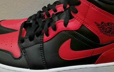 Nike Air Jordan Retro 1 Mid Banned Size 8.5 for Sale in Tigard,  OR