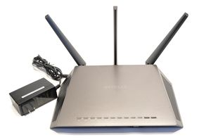NETGEAR R7000 Dual Band Smart WiFi Router for Sale in Miami Springs, FL