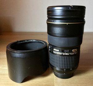 Nikon 24-70 2.8 captures super sharp images for Sale in Sacramento, CA