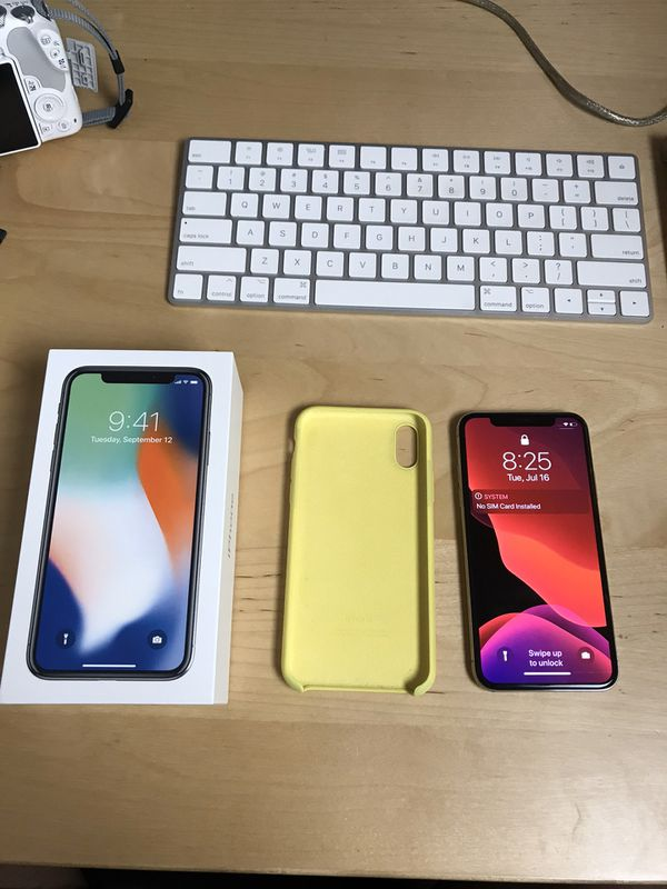 iPhone X 64 Gig Mint Condition - One Owner