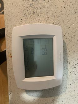 Honeywell Thermostat for Sale in Spanaway,  WA